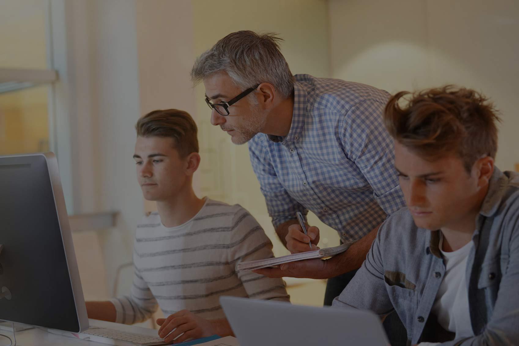 Κέντρα ψηφιακής εκπαίδευσης Easy Win Net